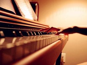 日本原装进口APOLLO阿波罗 A8 家庭初学首选二线品牌 最具性价比 伯雅钢琴推荐