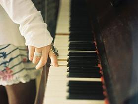 约翰·汤普森-简易钢琴教程 在线教学视频