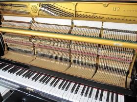 日本二手钢琴YAMAHA雅马哈U3H和YAMAHA UX哪个型号好?