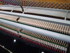 挑选二手钢琴的方法—如何选购原装二手钢琴—买二手钢琴有哪些技巧
