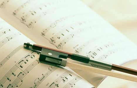 女童適合學什么樂器_幾歲開始學鋼琴比較好