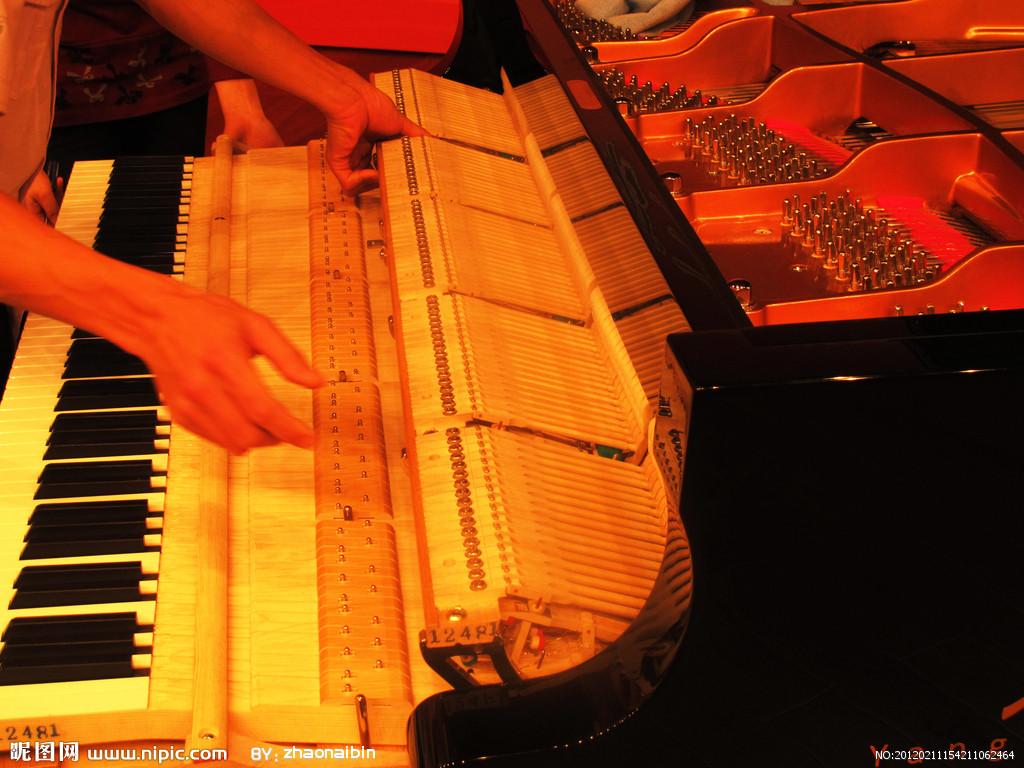 二手钢琴怎样挑选比较好?如何挑选到一台好钢琴