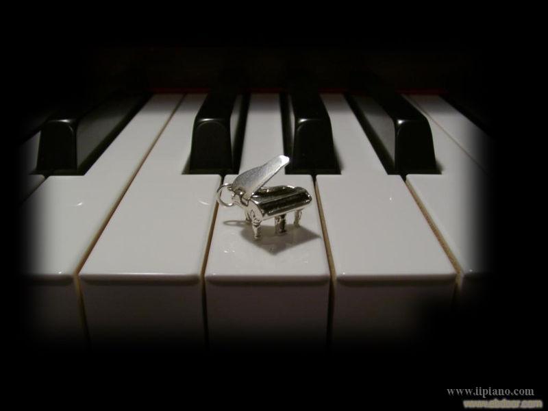 关于二手钢琴的价格与质量分析图片