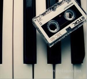 进口二手钢琴比新国产钢琴好吗?